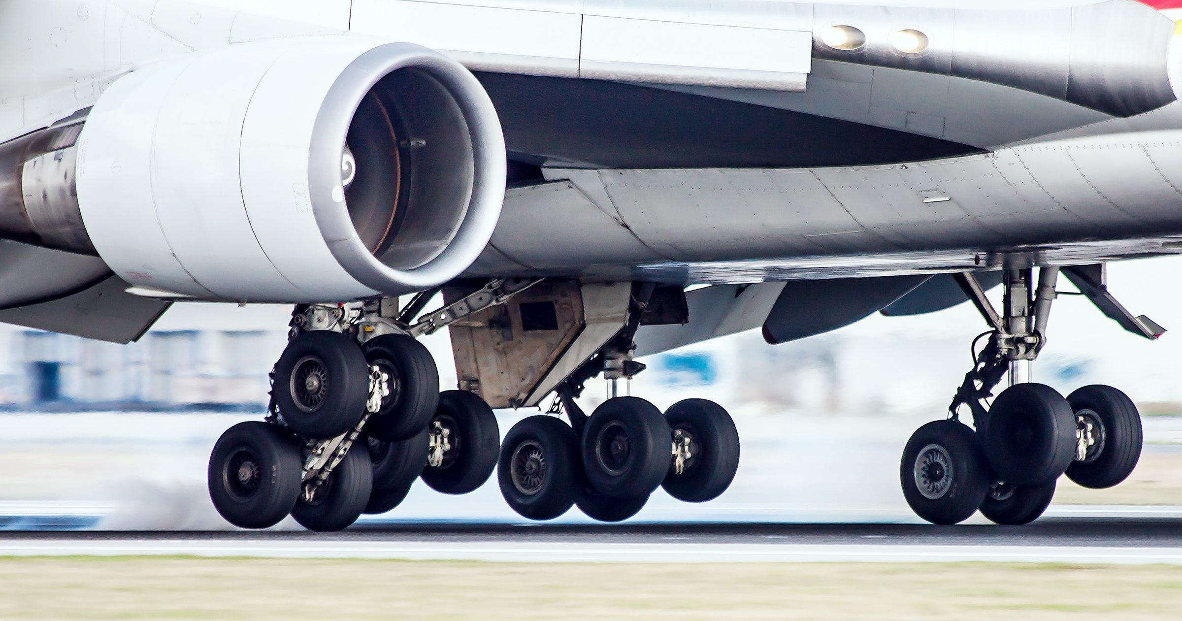 Aircraft Tires Struts